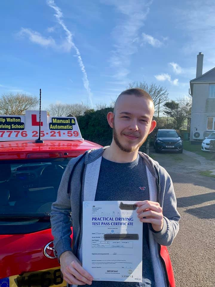 Driving test passed with driving instructor newquay